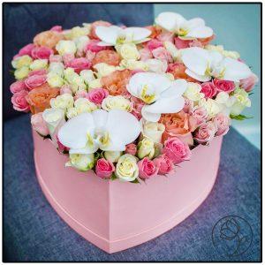 باکس گل قلبی رنگارنگ